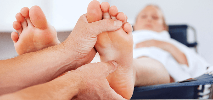 10 KEY BENEFITS OF REFLEXOLOGY!  Fitness on Toast